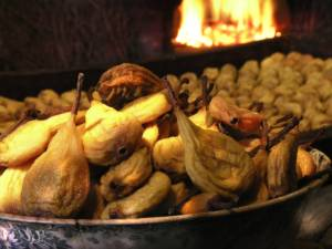 Gastronomie en Touraine avec les poires tapées de Rivarennes près de Chinon